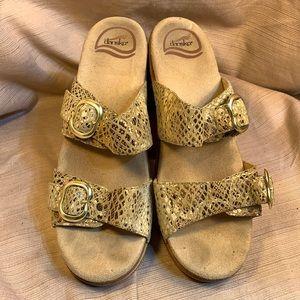 Dansko leather sandals preloved adjustable